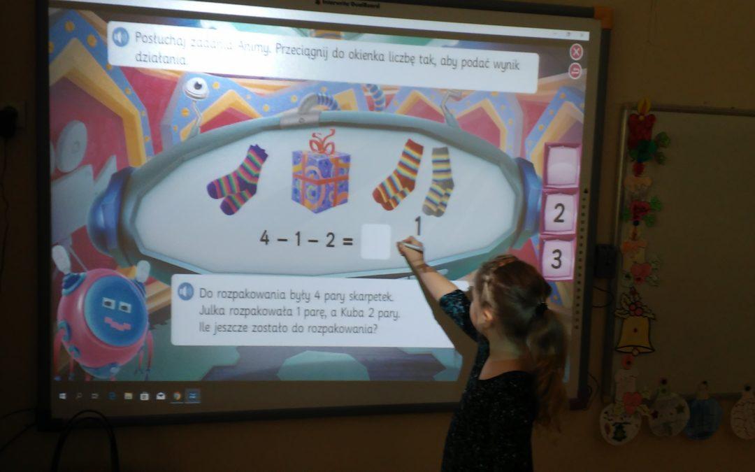 Zajęcia w klasie I B z wykorzystaniem tablicy multimedialnej