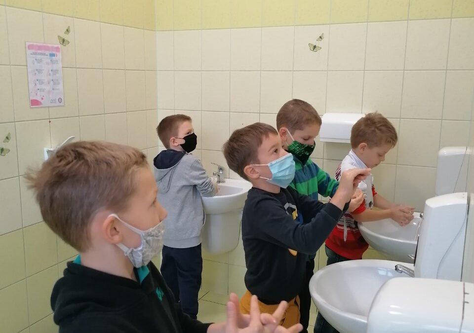 Prawidłowe mycie rąk 1B